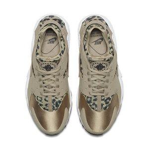 NEW Size 6 Air Huarache Run Animal Print Shoes